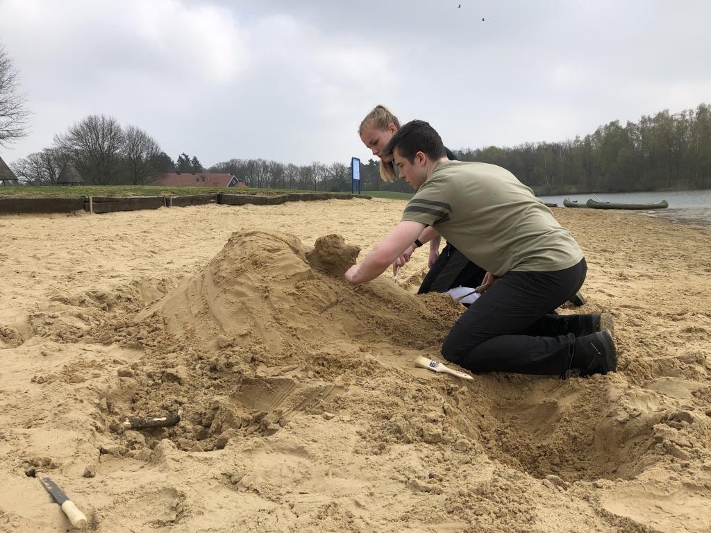 Wie is de zandkunstenaar?